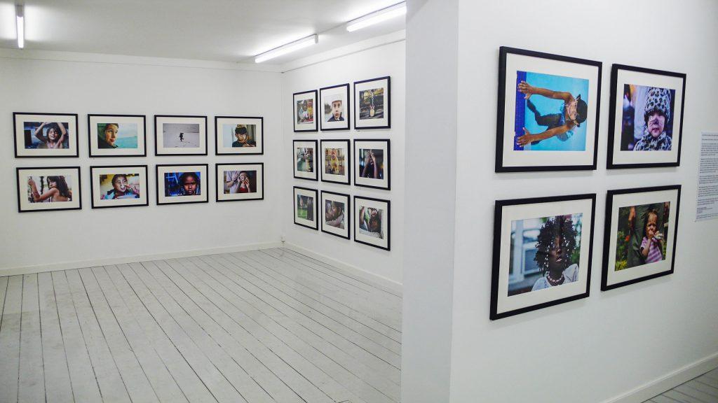 1 Earth City portrait photography exhibt by Danny Goldfield at Galleri Fedt in Copenhagen, Denmark.